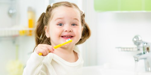 small children with teeth-brushing poses