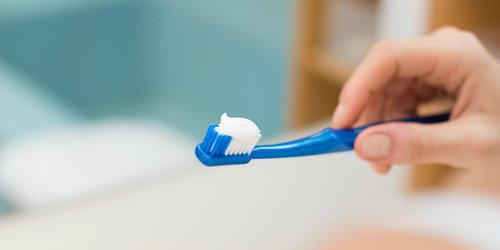 picture of toothpaste-applied-toothbrush