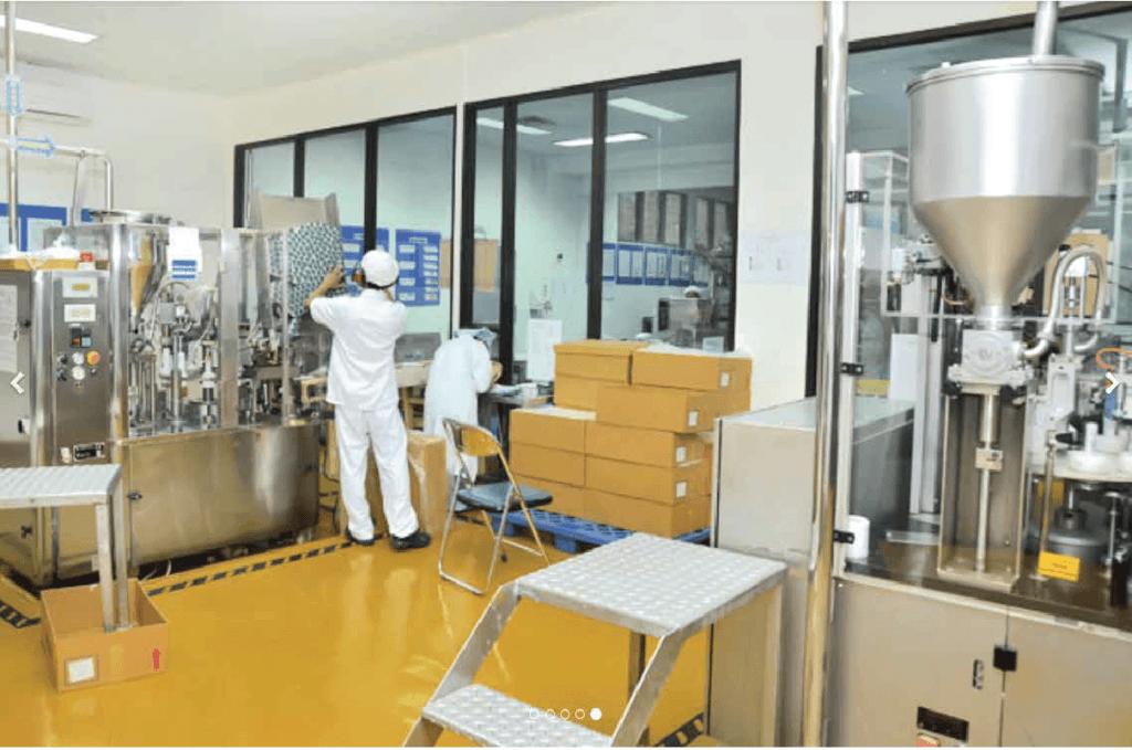 Peneliti mengembangkan produk-produk di dalam pabrik